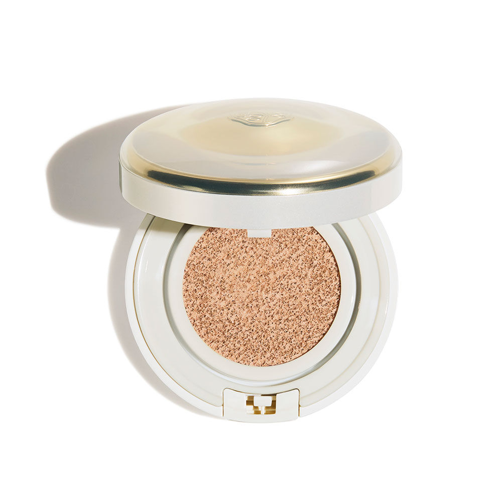 Total Radiance Regenerating Cushion E SPF50+ PA+++, Neutral 1